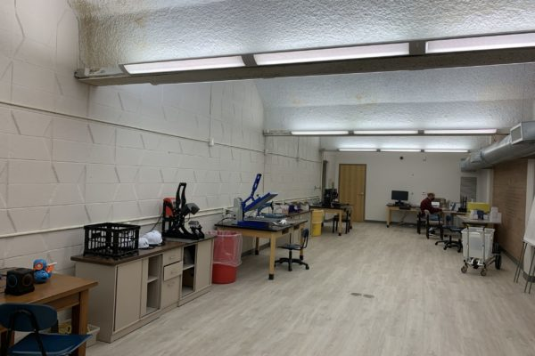 makerspace 2 with equipment on both left and right sides